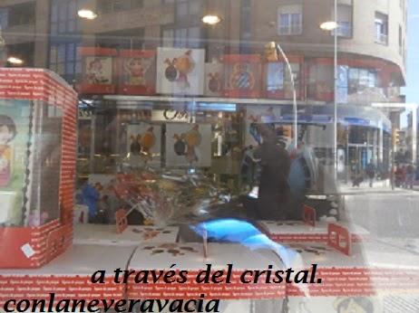A TRAVÉS DEL CRISTAL UNOS DÍAS ANTES DE SEMANA SANTA